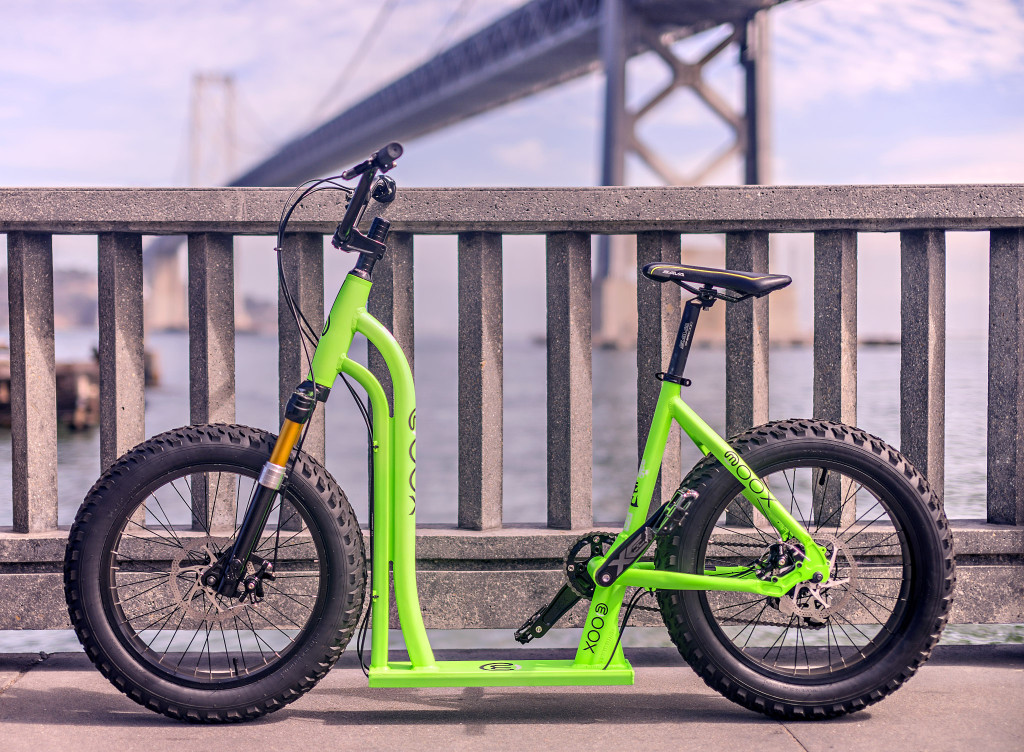 Is it a bird? Is it a plane? No, it's the moox bike, the first bike-scooter-hybrid (image: © moox inc)