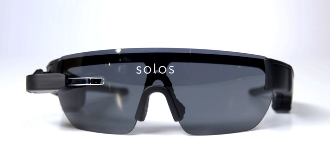 Where is the HUD - Solos Smart Cycling Glasses (image: kickstarter/© solos-wearables.com)