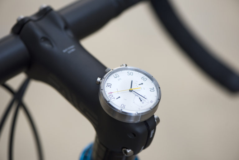 This has style - analogue smartwatch as a bicycle computer, the Moskito (image: © moskitowatch.com)