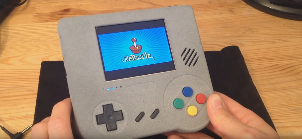 Raspberry Pi as a handheld - Raspiboy (image: © 8b craft)